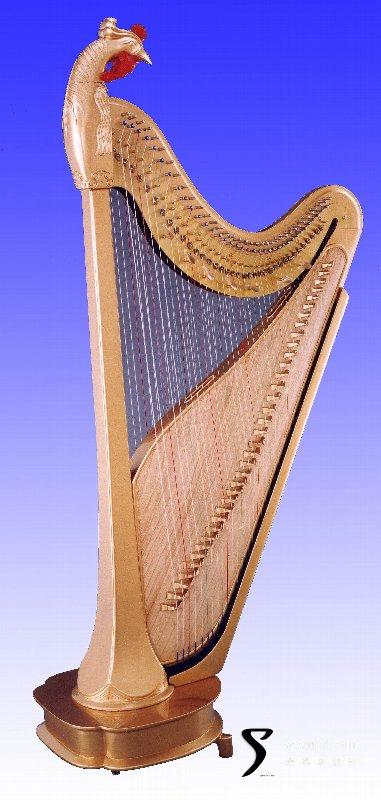 """雁柱箜篌借鉴了竖琴的弦列设计,吸收了韩其华(沈阳乐器厂)的""""双排弦图片"""